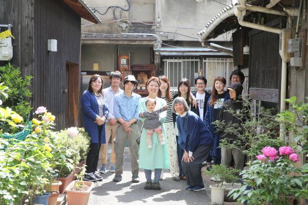 Đọc báo Nhật : Sinh con không kết hôn非婚出産 (非婚出産_ひこんしゅっさん)