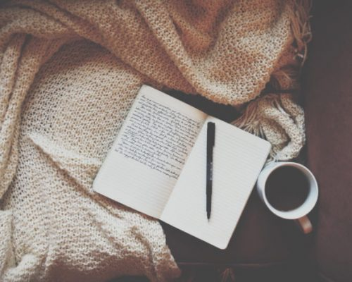 Journaling 「ジャーナリング」đối diện với cảm xúc bản thân.